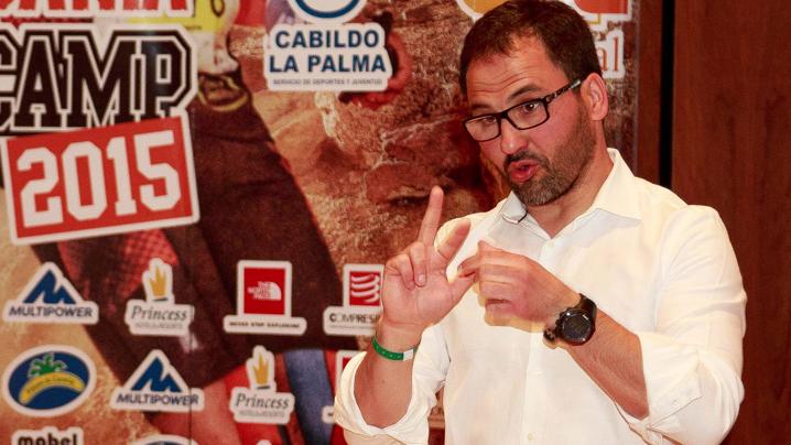 Tomás Navarro explicando