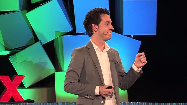 Javier en conferencia TEDx